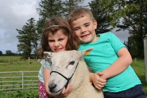 Caoilfhinn & Usna on Showtime on RTE jr